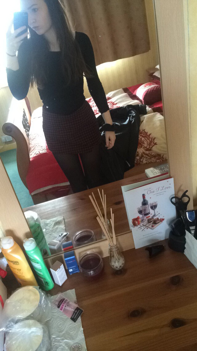 Black leather jacket/boyfriend coat, tights, skirt or skort (this is my dogtooth burgandy skort-Topshop) with some red Chelsea boots or plain black flats, black top-I recommend a coloured skort so it adds colour to your look