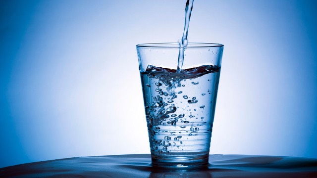 5. Try drinking a glass of water and trying chewing some gum (preferably mint it works best) or pop in a mint. This will keep you refreshed and help you to concentrate and get your brain to function quicker.