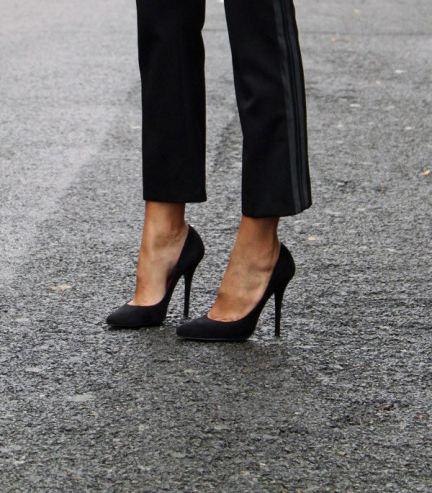 long vamp shoes elongate your whole leg, even when you're wearing pants.