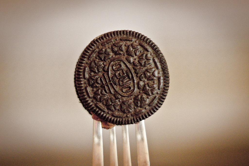 When Dipping Oreos In Milk, Put A Fork In Between The Chocolate Cookies.Never Get Ur Fingers Wet While Eating Oreos Again!