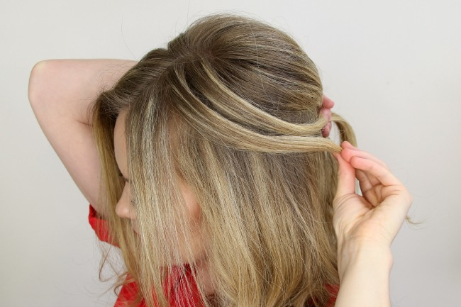 Step 8 / Repeat steps 4 through 7 until the strands around the face and above the ears are brought into the braid.