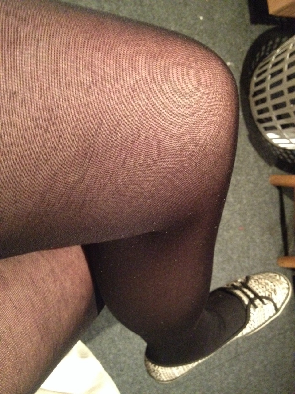Some plain black tights