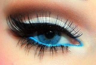 5) Or, add a pop of blue to your waterline with a dramatic look to make your eyes appear bold AND awake.
