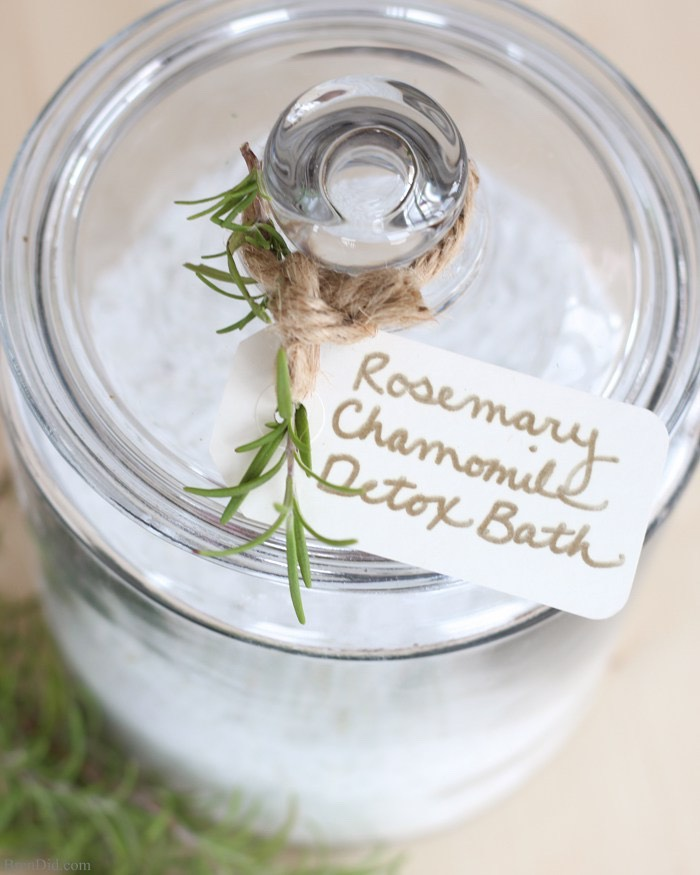 It can be especially beneficial to your bathswhen you add detox bath salts that help to remove toxins + promote peaceful sleep.Thisall-natural Rosemary Chamomile Detox Bath recipe uses simple ingredients to prepare an inexpensive but luxurious detox bath.