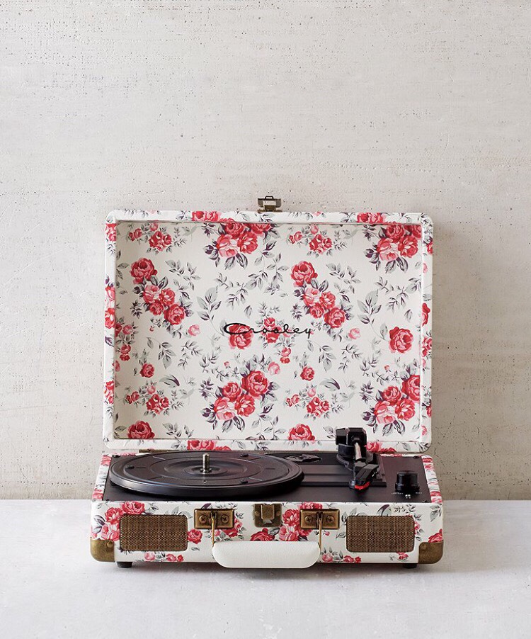 This cute vinyl player is a cool gift to give for that music lover BFF. I asked for one myself because I love music. This one is only $98 at Urban Outfitters.