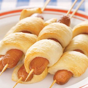 Hot dog kabobs! Spice them up a bit by adding bits of zucchini or bell peppers