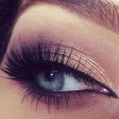 Every night before you go to bed, use castor oil to go those beautiful eyelashes you always wanted!☺️