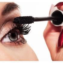 7. Applying Mascara One mascara trick that really works to make eyes appear a lot bigger, is to put the mascara on the middle and outer corners of eyes. This tip really works for anyone at all! Just be careful when you are applying your mascara to keep it away from the inner corner.