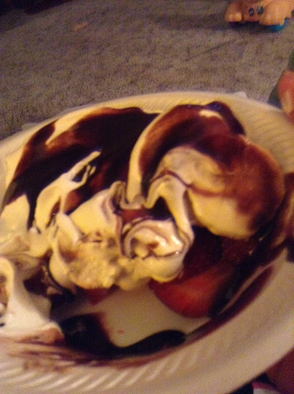 Sliced strawberries bananas low fat whip cream and a drizzle of chocolate syrup. = 150calories /serving