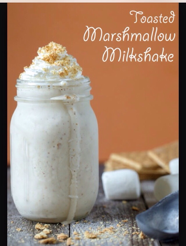 Today I'm going to show you guys how to make a toasted marshmallow milkshake.It is super yummy and it's perfect the the hot days☀️ And you can make this recipe in like 10 minutes So I hope you guys like this recipe👍 And don't forget to like and share 👍
