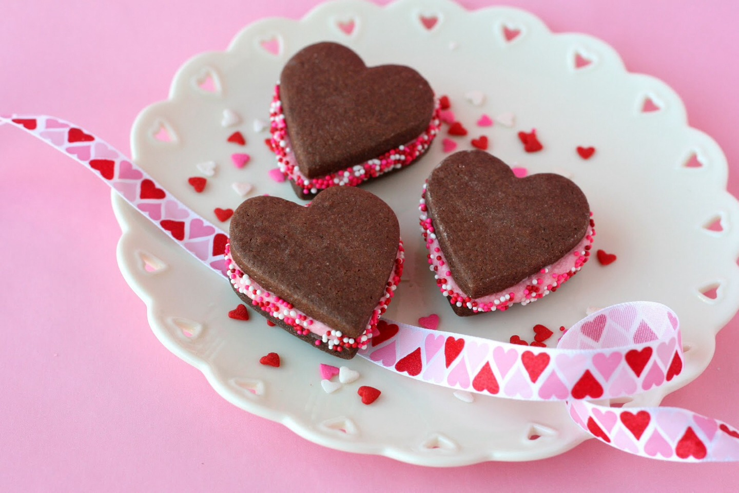 If u don't have a valentine let chocolate be yours!!