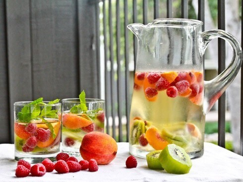 7. Raspberry, Kiwi, and Peach Water  This fruit-infused water is full of fresh raspberries, kiwis, and peaches. It not only tastes delightful, you'll also be drinking up fiber, vitamin C, and antioxidant. Recipe: http://www.getglammedup.com/2012/07/beauty-bit-easy-way-to-drink-more-water.html