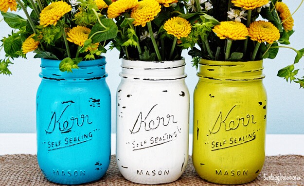 1. Painted Vases  Live Laugh Rowe / Via livelaughrowe.com What's prettier than bunches of flowers exploding out of colorfully painted jars?!