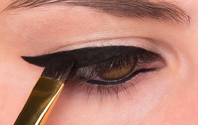 STEP 4  Connect the liner to the inner corner of your eye and fill in any missing spaces along the lash line.