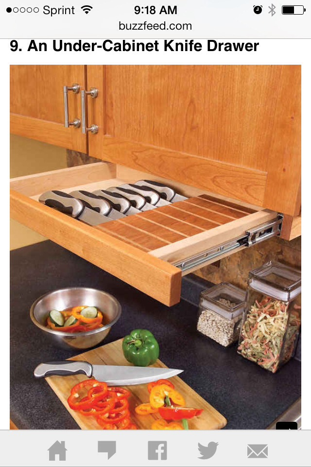 Drawer for knives