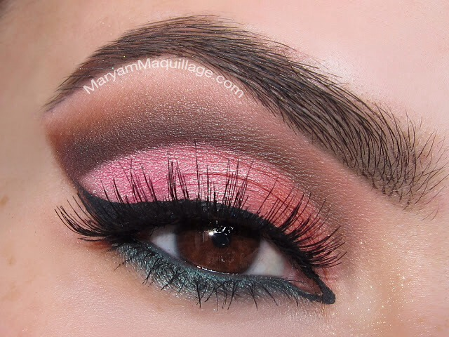 Pretty, dramatic cut crease. Perfect for going out.