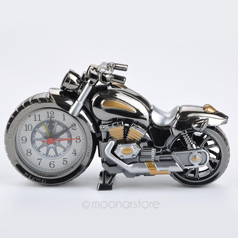 This alarm Clock looks like a sleek, sexy motorcycle yet it's so small it's cute 💖🚦🚨🚦