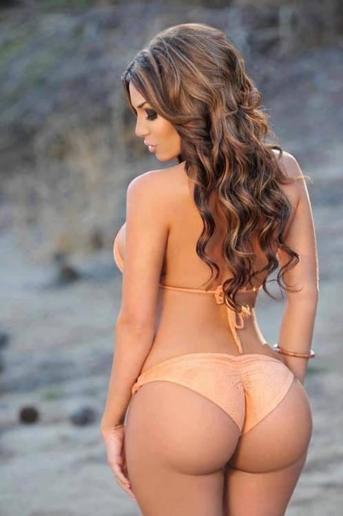 Big butt women in bikini
