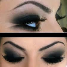 8. Avoid Darker Eyeshadow When using eye shadow, make sure a tip you are following is to avoid any of the darker eye shadow colors. What this means is that you should ditch the dark shadows and take up lighter hues. Do you remember in the earlier tips about lighter eye shadows? Take that to heart!