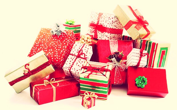 Need present ideas for under $25? You've come to the right place!  *prices on the links provided may change at any time. These links are only for ideas, not for advertisement!*