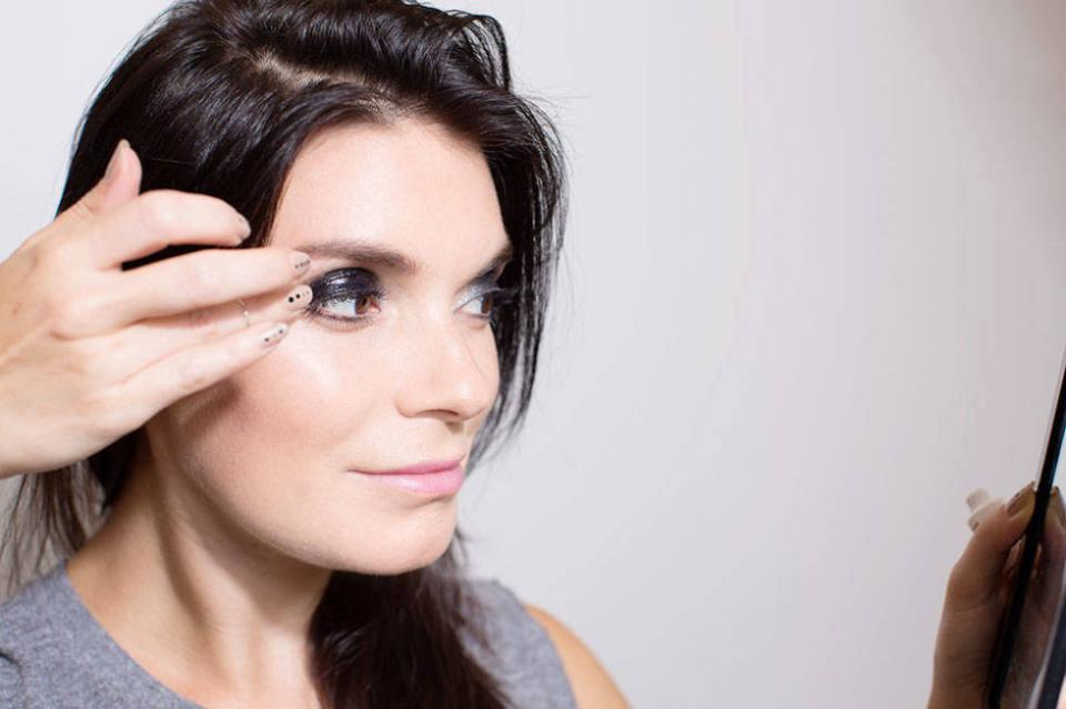 7. Turn your regular eye shadow into a gloss with lip balm.