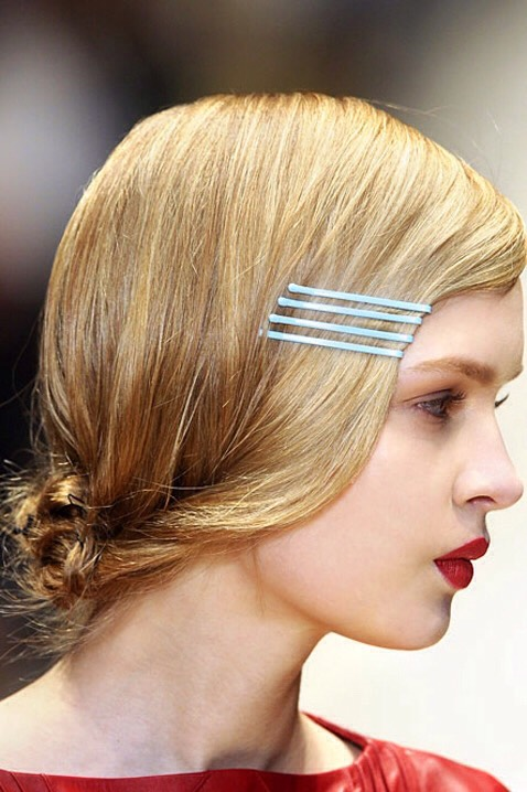 this is simple, put 4 bobby pins in the front of your face in a row