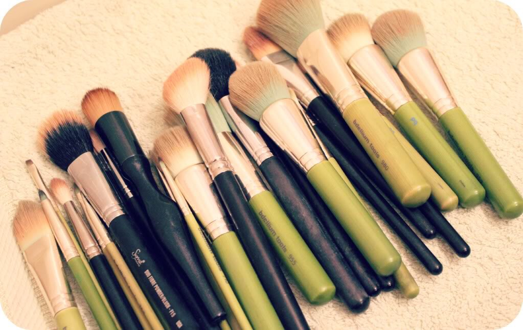 Lay out all your dirty brushes on a towel or cloth.