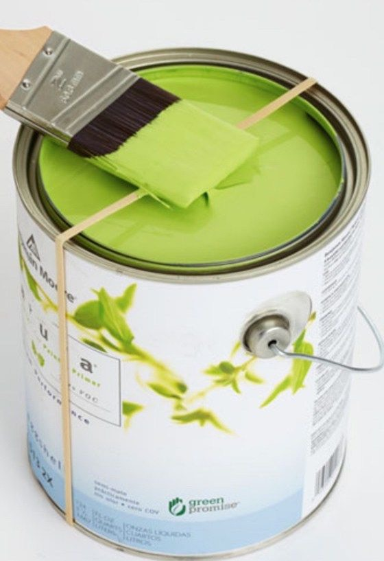 Keep the edges of your paints fresh by placing a rubber band over it. Then wipe your excess paint from your brush onto the rubber band!