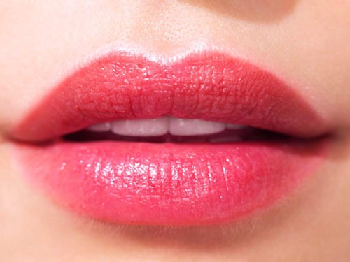 It's very easy to achieve soft plump and kissable lips. I'm gonna tell you how!