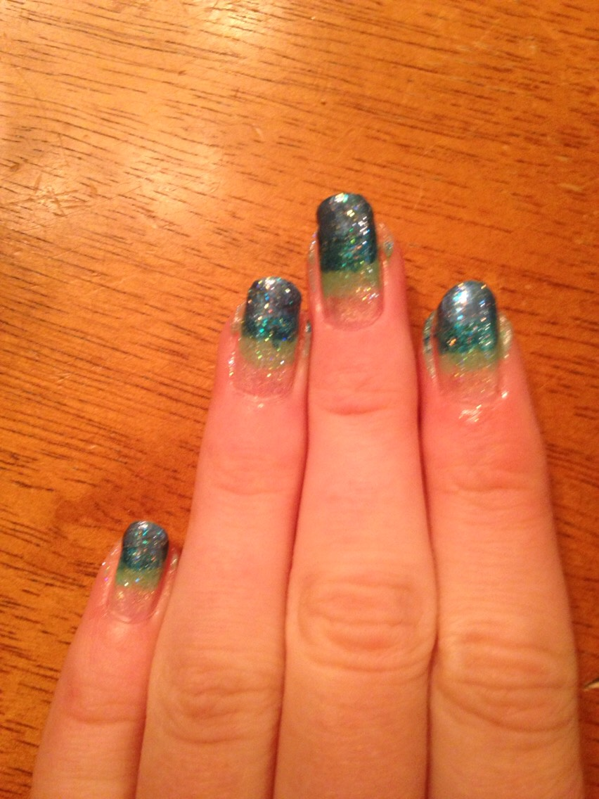 Add sparkle to the whole nail