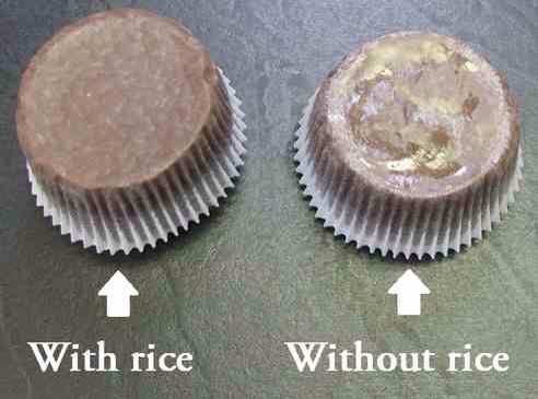 The rice in the pan absorbs the excess oil and leaves the liner pretty and grease-free!! How cool is that?!