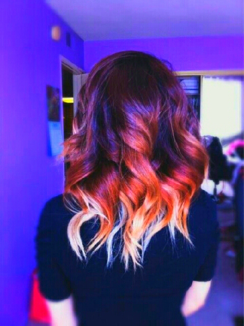 Short hair is great to add more colors in your Ombre