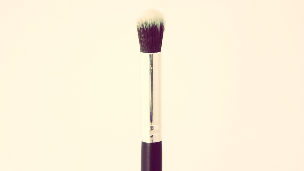 I use a blending brush for the tops of my hands. I just pump a little of the tanner onto a tissue, dip the tip of the brush into it, and then work into the tops my hands. *I use mousse self tanner, so I don't know if this would work for lotions*