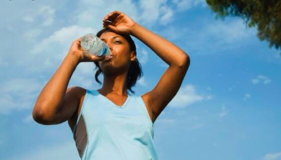 2- drink ! drink ! drink ! , water is very important to lose weight , you must drink 8 glasses each day .