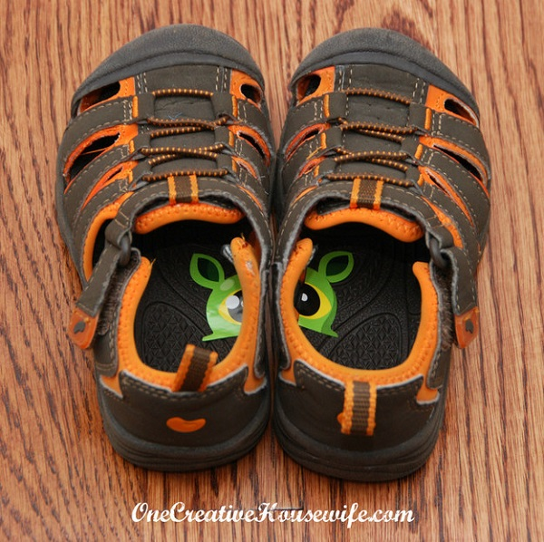 Cut a fun sticker in half and place one in each shoe. This will help your child to know which shoe goes on which foot.