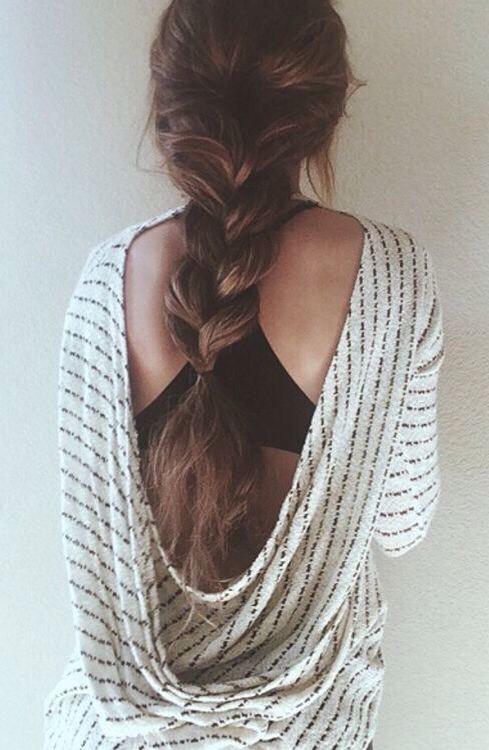 A simple loose 3 strand braid.💋