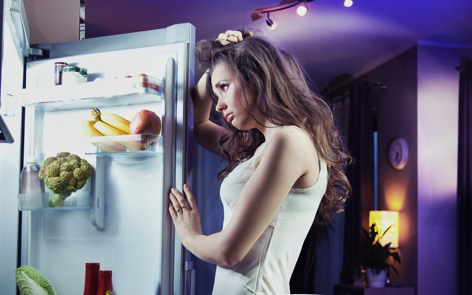 Avoiding midnight snacking: Your body burns calories at the same rate no matter what time of day it is. It's far better to eat a light snack than to go to bed hungry!