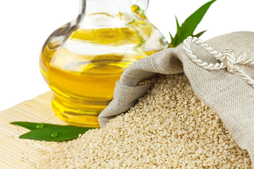 ✨5tbs of Sesame Oil✨ Sesame is well known for its powerful affect on speeding up hair growth because it increases the circulation in the scalp, which increases hair growth. This also heals itchy scalps, dandruff, and nourishes you hair for shiny smooth, soft hair.