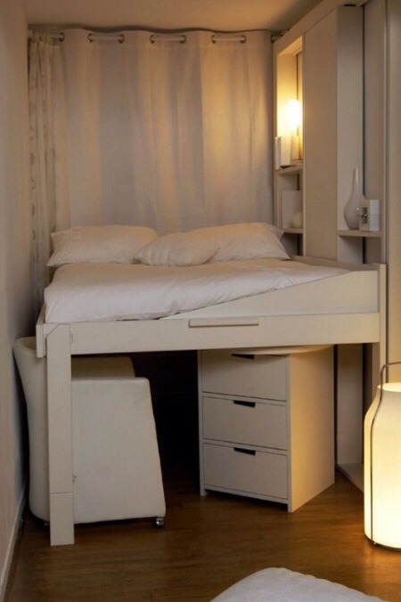 Another type of bunk bed. It's not too neat or too messy. Tiny rooms can be spacy.