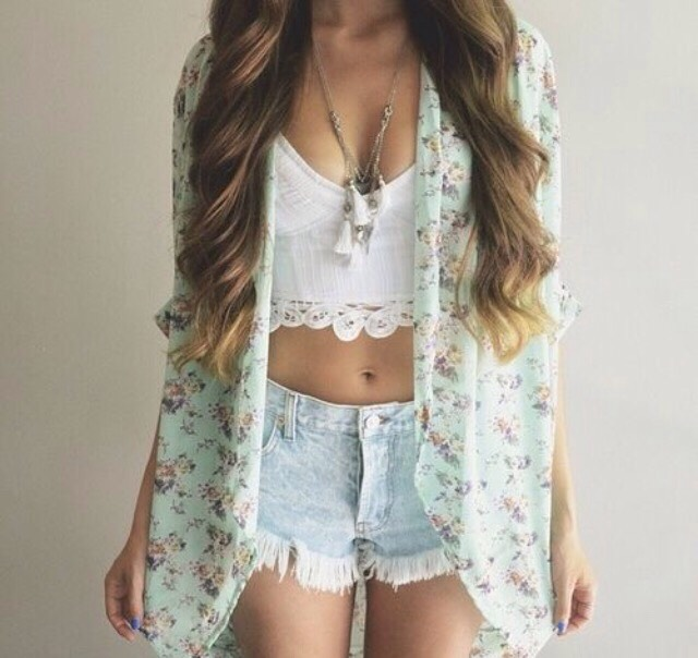Outfit #6  •Who doesn't live this outfit? Sure it's a bit showey, but it's summer, there's nothing you can do about that!! The simple white top gives you the freedom to Wear the shorts of your choice and throw in the pastel cardigan to bring the look all together! 💘