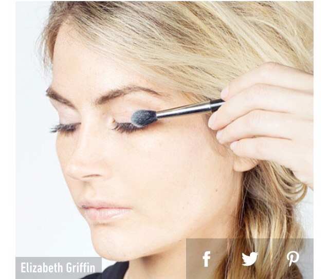 11. Dust baby powder over your eyelashes between the first and second coats of mascara to plump up your lashes. Baby powder has grip so it will stick to your lashes  in between each coat of mascara, making your lashes appear more voluminous.