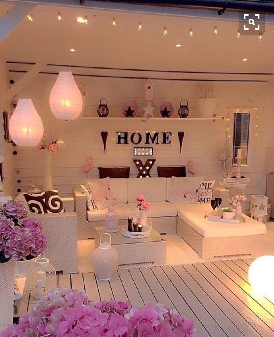 Musely for 20 year old woman bedroom ideas