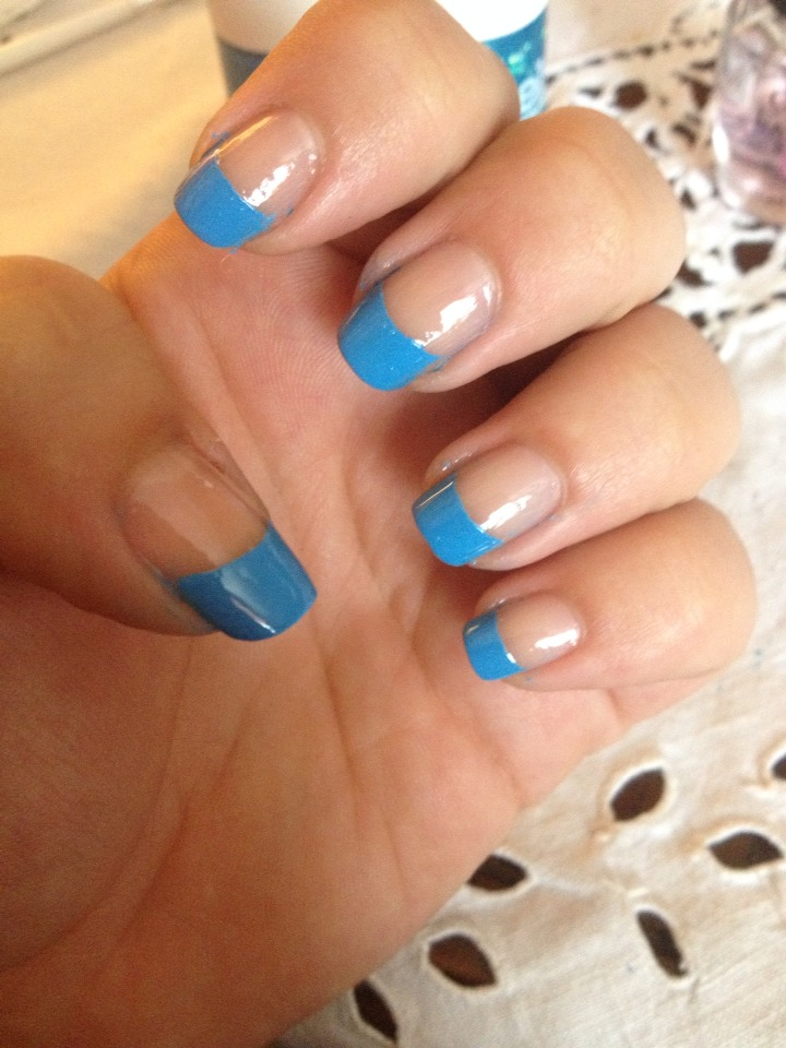 Then put a topcoat over the whole nail