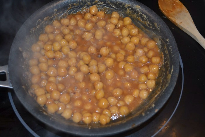 3) Let Roast in your saucepan until the chickpeas get crispy
