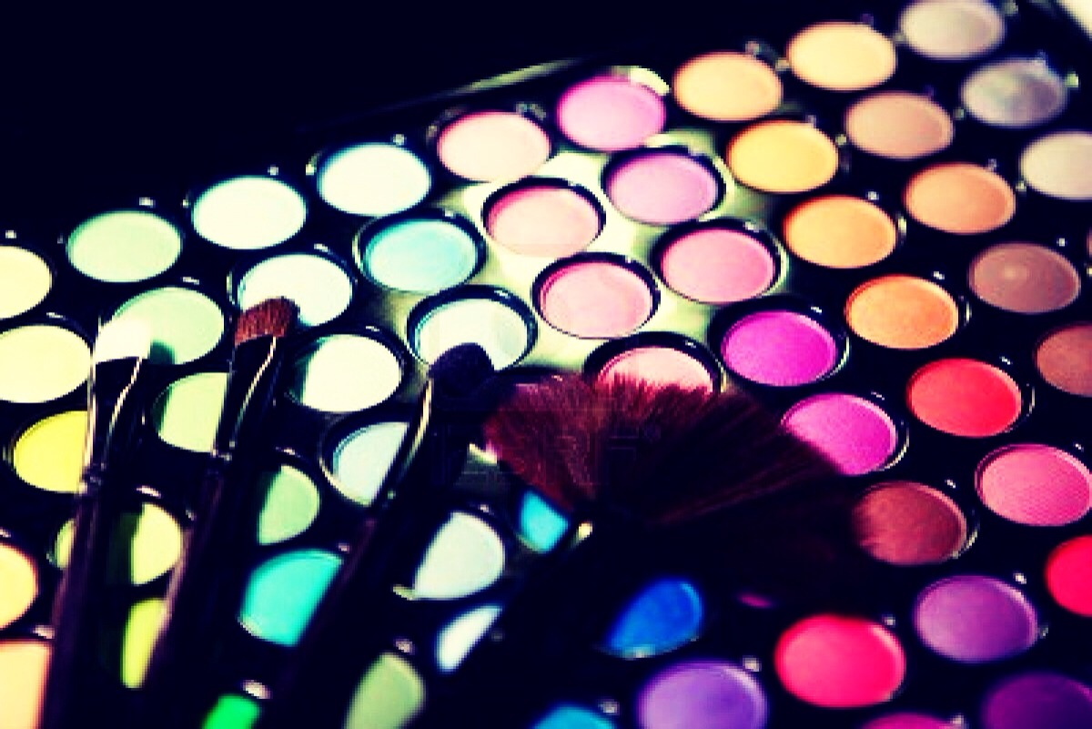 Turn any eyeshadow into a liquid liner by mixing with a small amount of water and applying with an eyeliner brush