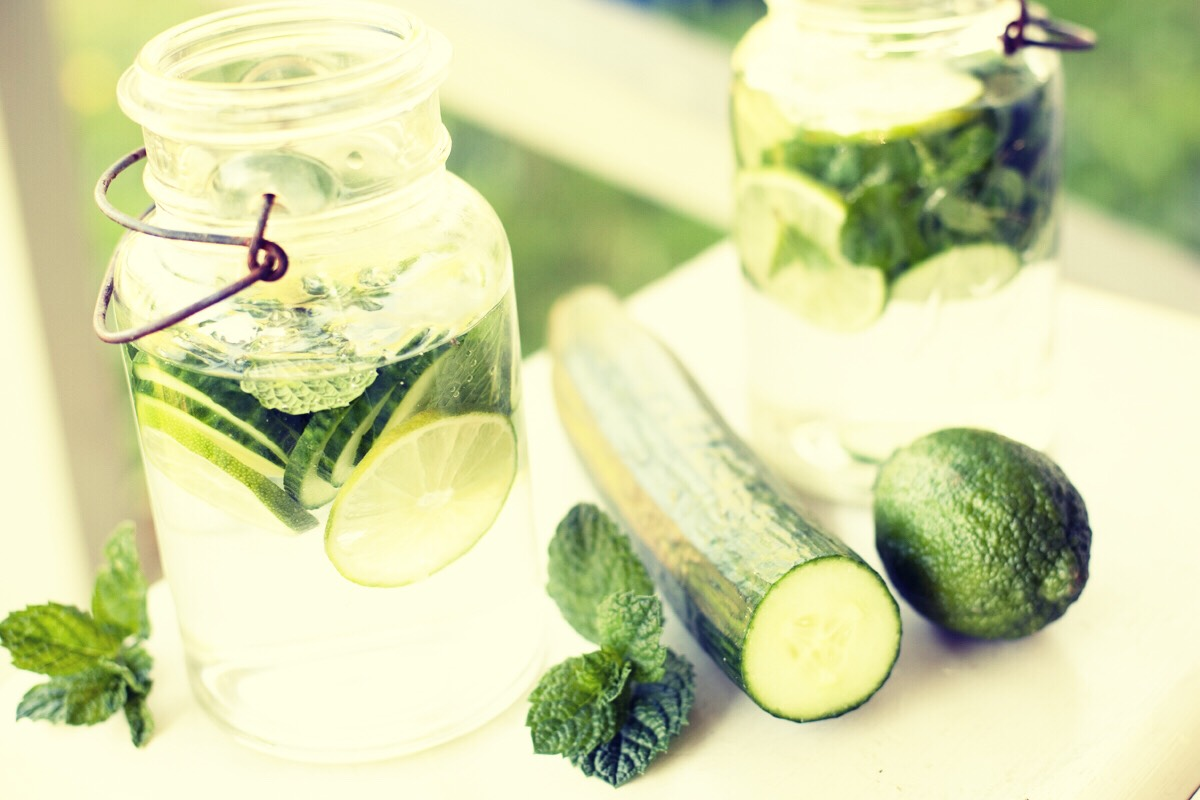 💚 Aromatherapy 💚  Cut up a Cucumber and place it in a pot of boiling water (from the kettle) and the steam that is released will be soothing and relaxing.  To steam your face to make your skin soft, place your head over the bowl of Water and Cucumber and let the steam go into your face!