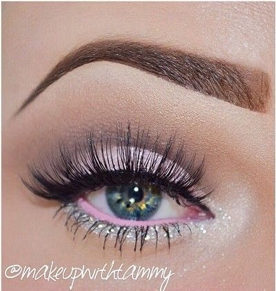 3) Glam things up by packing rose quartz all over the lid, a slightly brighter pink in the water line, and adding some glitter along the lower lash line.