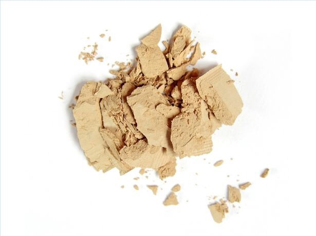 After primer, apply powder on your face, any type but translucent is the best to use. This will stop oily skin and hold makeup on your face for longer.