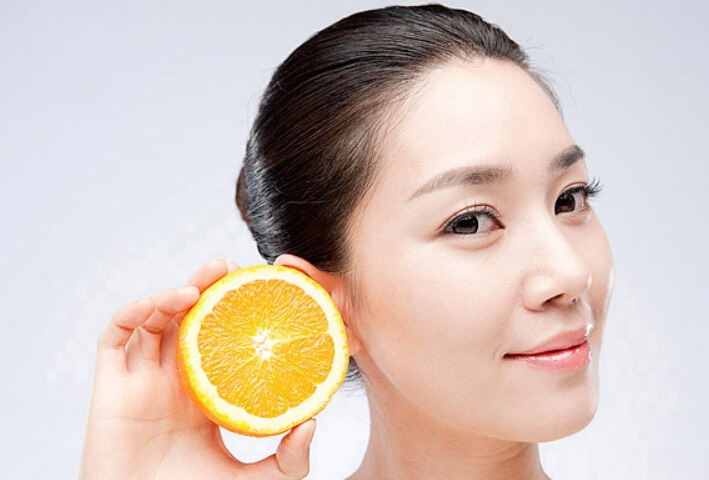 Lemon Wash your face with warm water and apply with a little lemon juice in which you dissolved salt (a pinch) on the affected area. Wait about 20 minutes, and then wash your face with warm water.