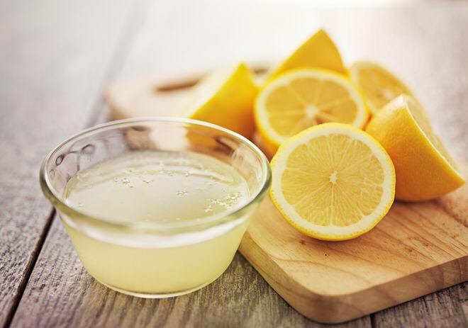 1. Lemon   You squeeze the lemon juice of half a lemon and then combine it with 2 tablespoons of honey.\nYou stir well and apply this lemon and honey mixture on your skin.\nWait for 17 to 20 minutes and then rinse off.